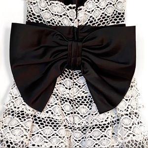 Betsey Johnson Dresses - Vintage BETSEY JOHNSON Scalloped Crochet Dress